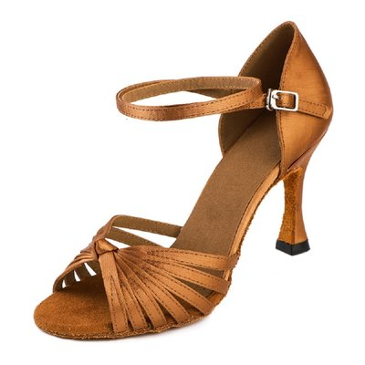 női latin cipő